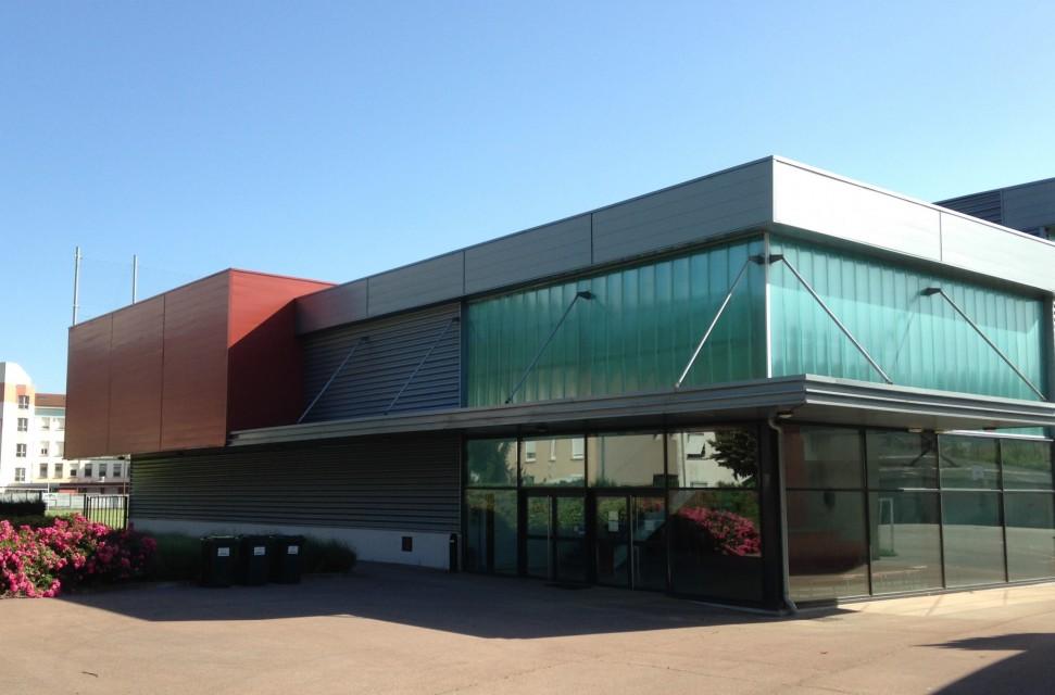 Halle Beton